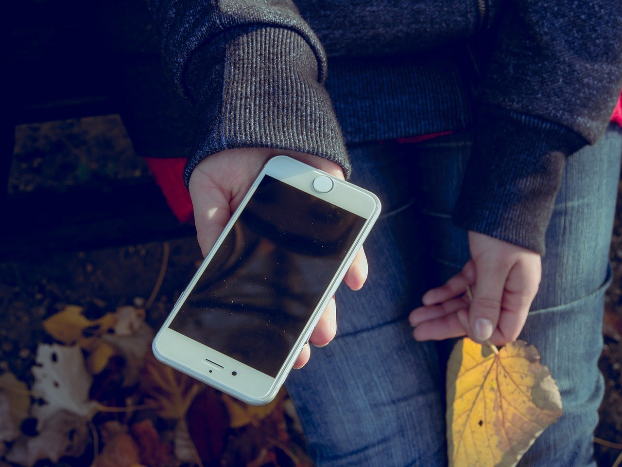Technology Overuse: Do We Need to Wait Longer to Give Kids a Phone?